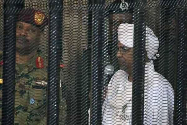 عمر البشیر به 10 سال حبس محکوم شد