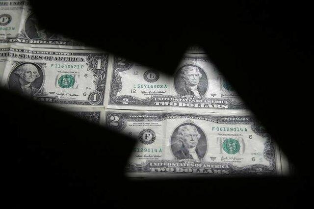 دلار اندکی عقب رفت