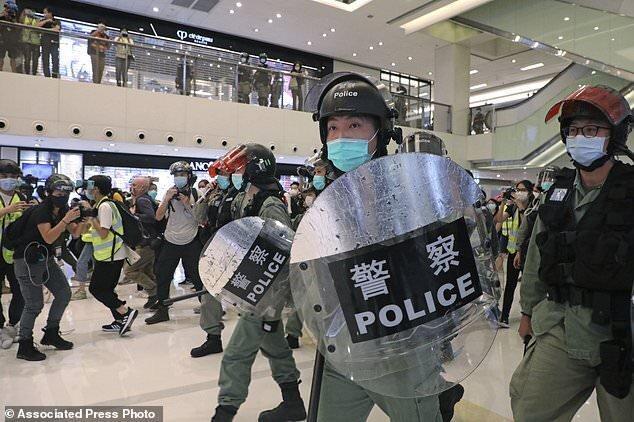 ادامه اعتراضات هنگ کنگ در روز کارگر