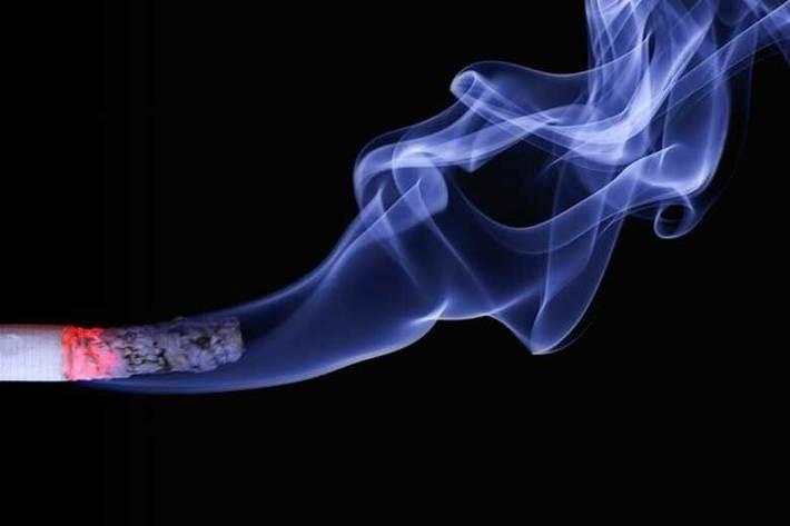 سیگار کشیدن و بیماری مزمن ریه، مرگ و میر ناشی از کرونا را افزایش می دهد