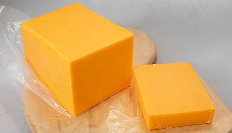 طرز تهیه پنیر چدار خانگی به روش اصیل و سنتی انگلیسی