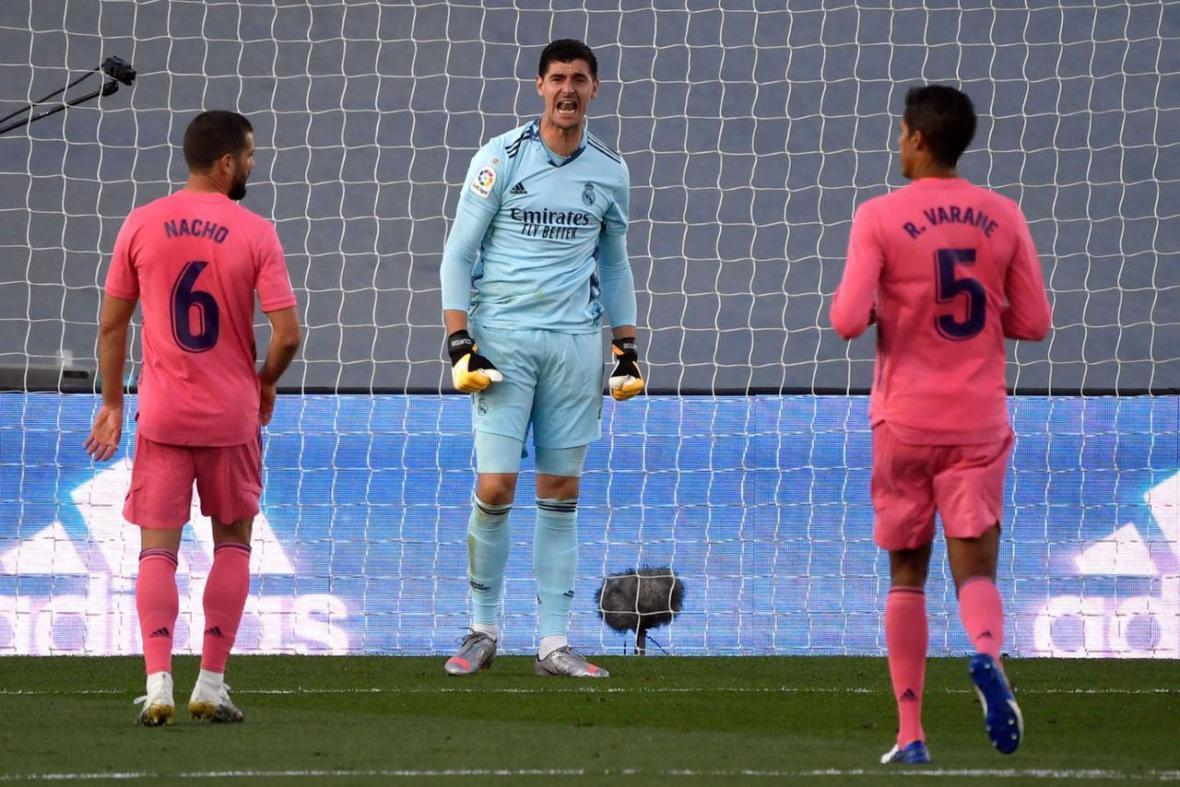 اولین شکست فصل رئال مادرید مقابل کادیز، پیروزی پرگل بایرن برابر آرمینیا بیله فلد، شکست آرسنال مقابل منچسترسیتی