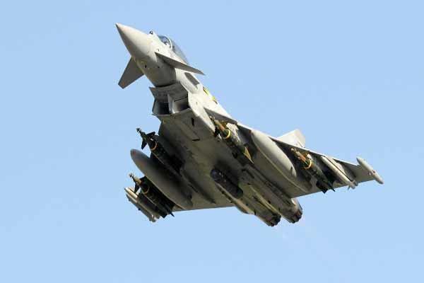 تایفون های انگلیسی هواپیماهای روسیه را رهگیری کردند