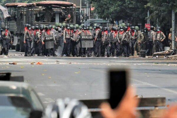 6 کشته در جریان اعتراضات امروز میانمار