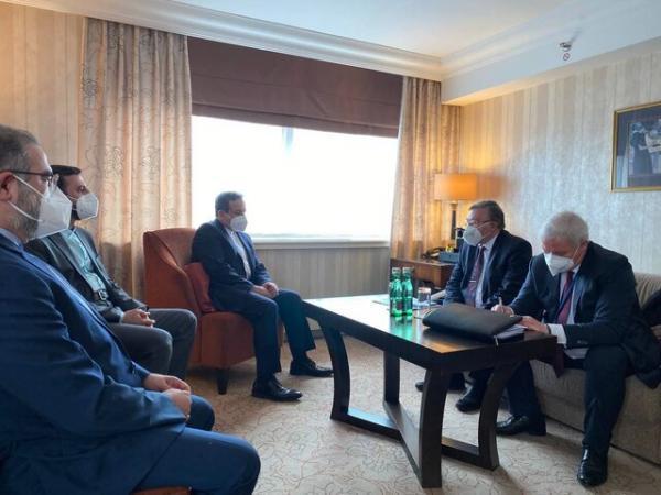 ملاقات عراقچی با نماینده روسیه و انریکه مورا پیش از نشست امروز وین
